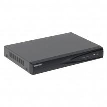 IP Сетевой видеорегистратор 4-канальный Hikvision DS-7604NI-E1/4P